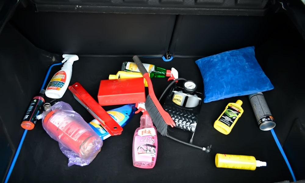 необходимые вещи в багажнике рено аркана